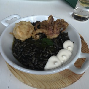 black_rice_with_squids